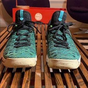 KD basketball sneakers